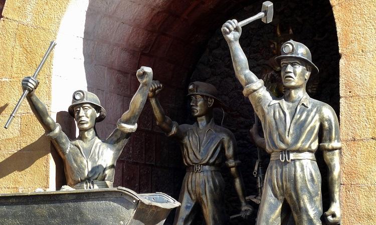 Bolíviai gazdag bányászok