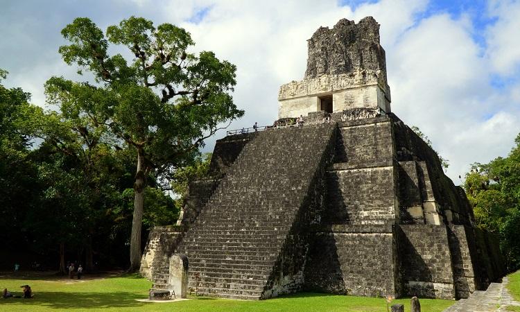 Tikal, a hangok városa