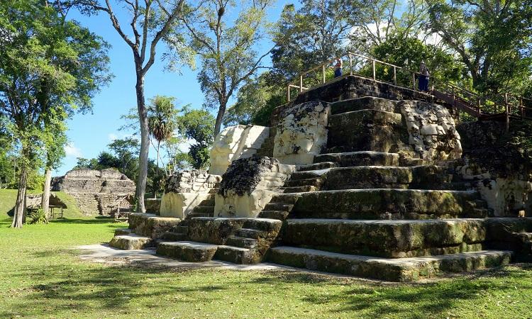 Uaxactún, romváros Tikal árnyékában