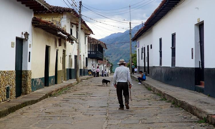 Bátor nők és Kolumbia egyik legszebb faluja