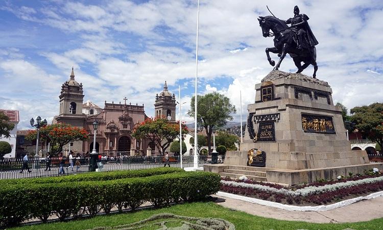 Ayacucho és Wari romvárosa