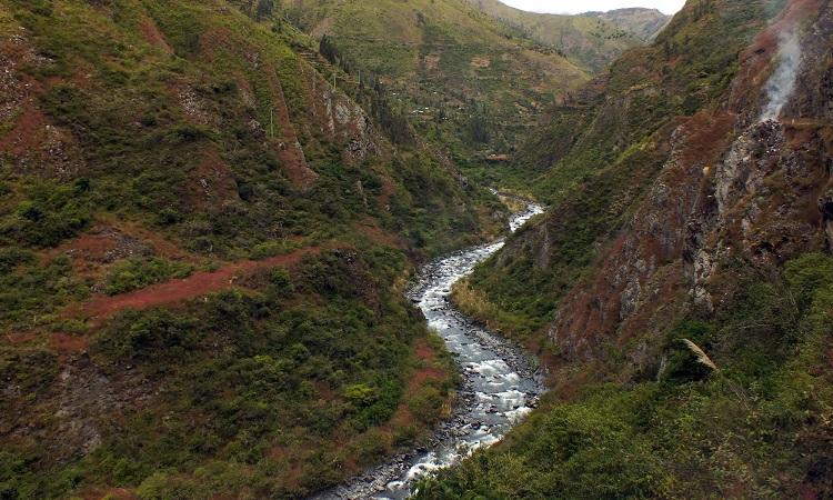 Hülye nevű településre vezet Peru legszebb útja