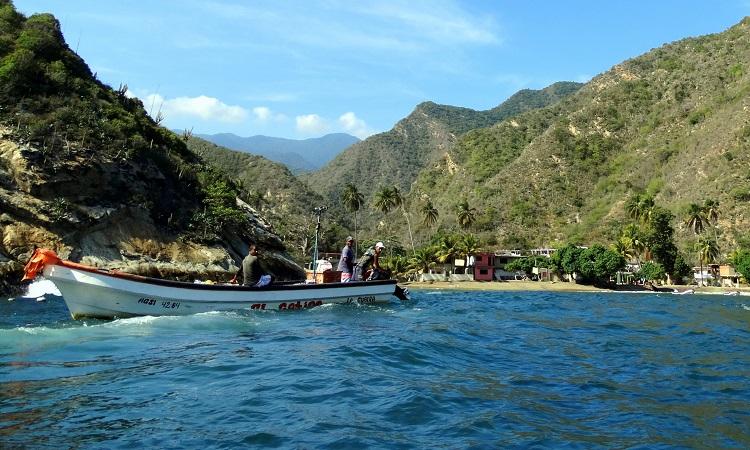 Csónakkal a caracasi reptérre