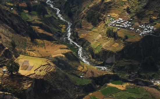 A Föld legmélyebb kanyonja (3535 m)