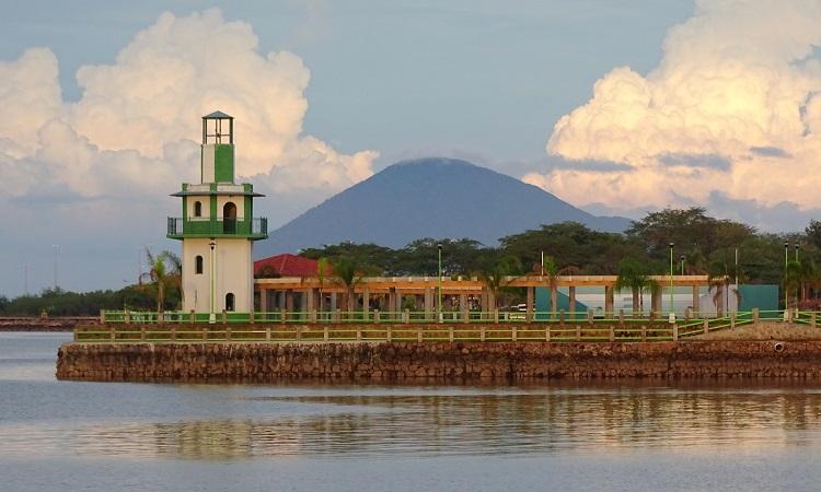 Ismerkedés El Salvadorral