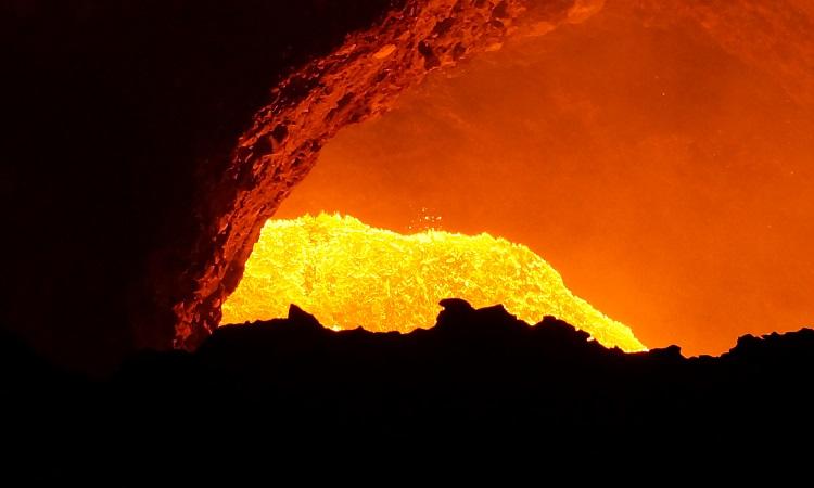 Lávaélmény a Masaya-vulkánon